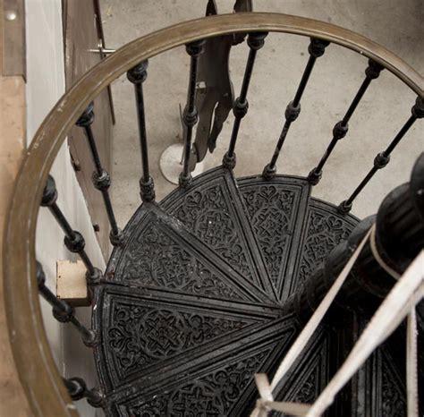 escalier en colimaon ancien grand escalier en colima 231 on en fonte de fer du xix 232 si 232 cle escaliers et res