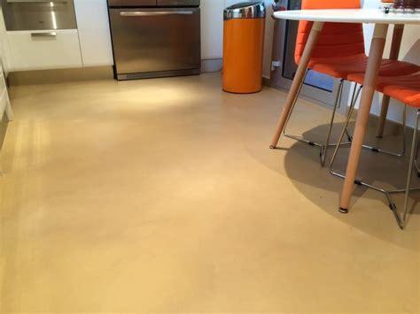 beton sur carrelage cuisine béton ciré sur carrelage de cuisine matières marius aurenti