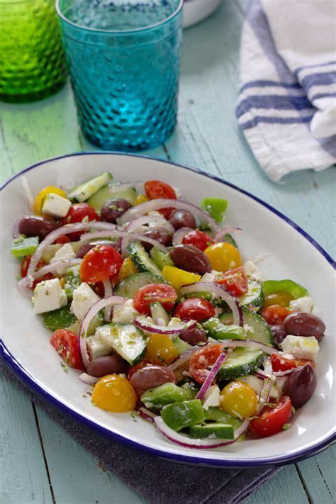 Cinco Quartos de Laranja: Salada grega