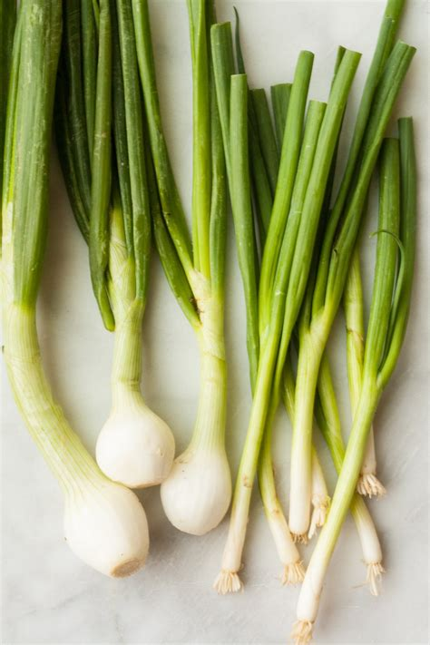 green onions difference between scallions and green spring onions the kitchn