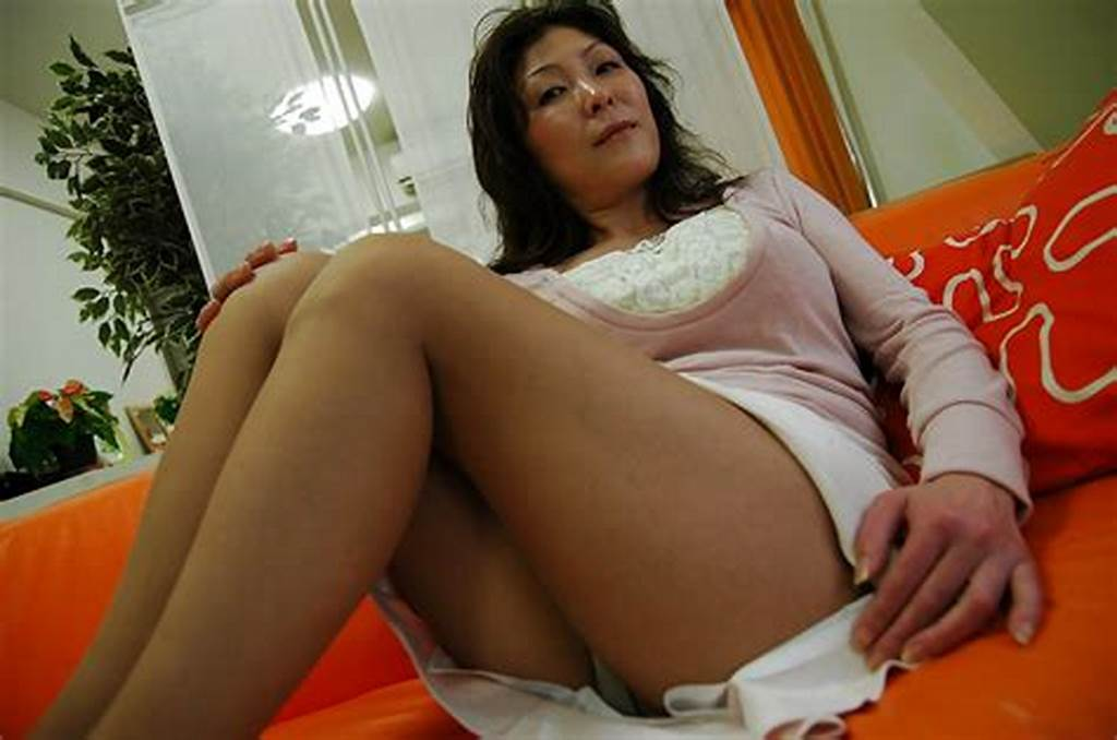 #Busty #Asian #Milf #Masako #Suzuki #Getting #Naked #And #Spreading