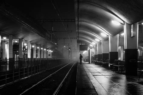 Strangers in the Dark VII - Pierre Pichot - Urban Photographer