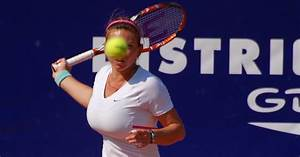 Simona Halep Wants Surgery To Reduce The Size Of Her