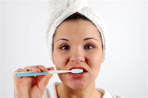 9 Teeth Whitening Tricks That Aren't Total Bs