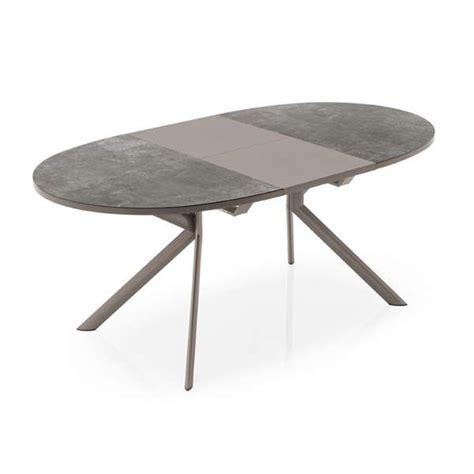 table cuisine ovale table ovale extensible en céramique giove connubia 4 pieds tables chaises et tabourets