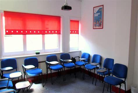 soggiorno studio londra vacanze studio per adulti a londra centro holidays empire