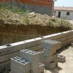 Prix D Un Mur En Parpaing : travaux bricolage et monter un mur en parpaing ~ Dailycaller-alerts.com Idées de Décoration
