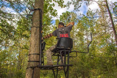 Skunk Ape Tree Stand