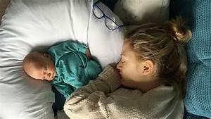 Ab Wann Kind Mit Decke Schlafen : baby und schlafen ~ Bigdaddyawards.com Haus und Dekorationen