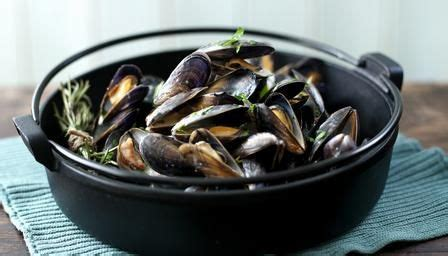 recipe for mussel pot moules marini 232 re with garlic and parsley recipe mussel recipes restaurant recipes