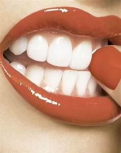 Weiße Zähne Hausmittel : hausmittel f r wei e z hne tipps und tricks f r ein strahlendes l cheln pinterest wei e ~ Frokenaadalensverden.com Haus und Dekorationen
