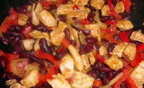 tortilla nadziewana kurczaka farszem tortilli farsz papryki fasoli czerwonej skadniki osob dla