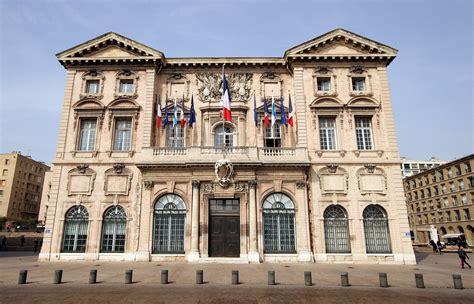 mariage civil à la mairie centrale de marseille pas si