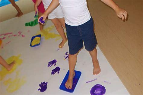 kindergarten biederstein farbenexperimente 719 | Biederstein Farbe füsse Boden