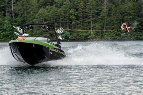 Malibu Boats Ceo by 187 Malibu Wakesetter 22 Vlx Breaking New Ground Again