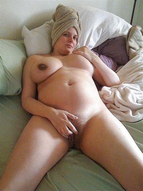 Nude amateur spread pussy - Nuslut.com