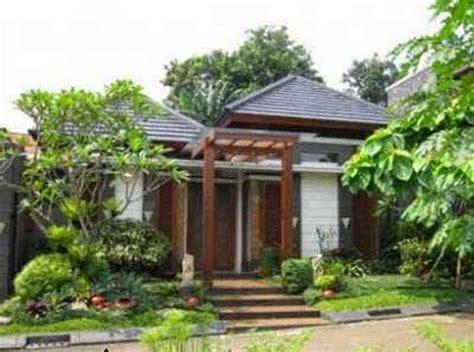 Taman cukup berupa hamparan rumput hijau yang mengelilinngi rumah memberikan kesan fresh dan segar. Interior Eksterior Rumah Minimalis: Desain Rumah minimalis ...