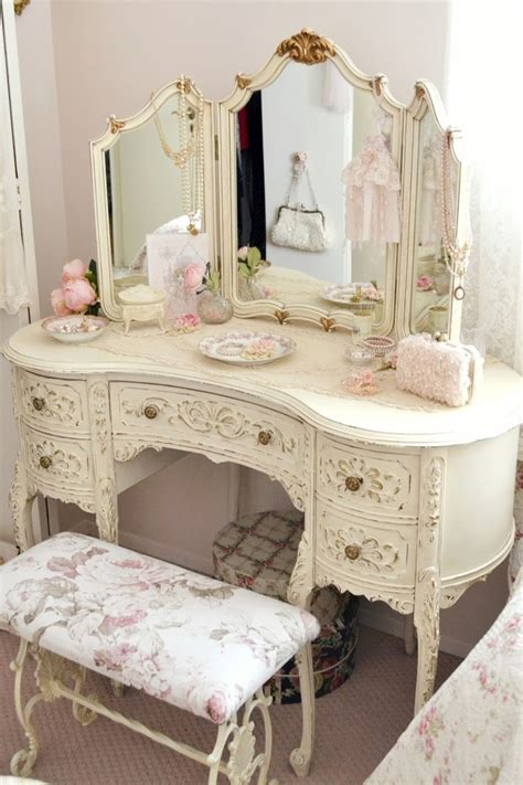 shabby chic bedroom vanity 560 best images about vainity vanity on pinterest antiques white vanity and vintage vanity