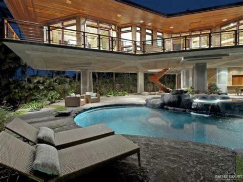 gatsby lifestyle hawaii summer mansion gatsby luxury