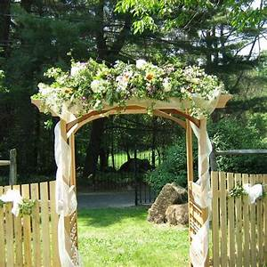 1000 ideas about wedding trellis on pinterest rustic for Decorating a trellis for a wedding