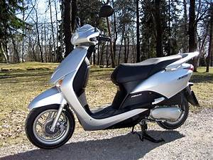Honda Lead 110 : file honda lead 110 left jpg ~ Dallasstarsshop.com Idées de Décoration
