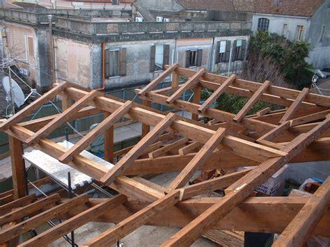 immagini tettoie tettoie in legno coperture prefabbricati in legno