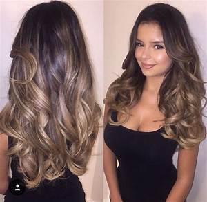 Balayage Cheveux Bouclés : balayage blond sur brune cheveux boucl s ~ Dallasstarsshop.com Idées de Décoration