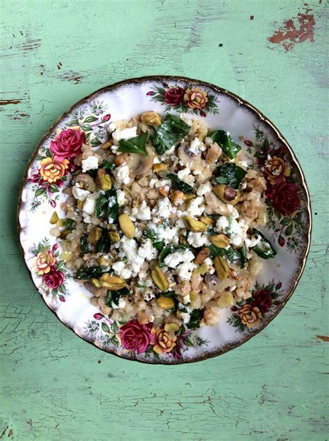 couscous israelien au tempeh poireaux  champignons