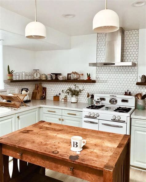 kitchen pantry cabinets best 25 vintage kitchen cabinets ideas on 2411