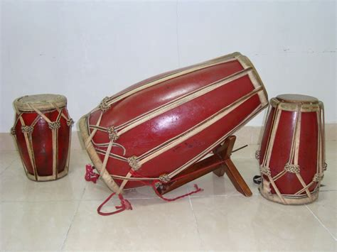 Contoh alat musik ritmis tradisional dan modern. 10 Jenis dan Contoh Gambar Alat Musik Ritmis yang Ada di Dunia