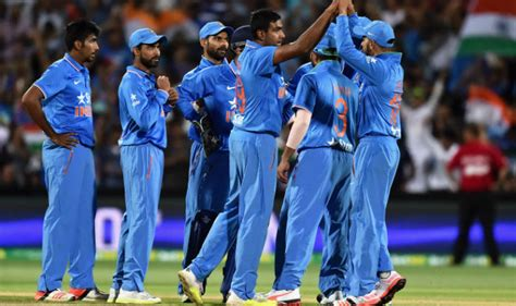 England captain eoin morgan won the toss and opted to field against india in india handed odi debuts to krunal pandya and prasidh krishna, while spinner kuldeep yadav also. Live Cricket Score Updates, India vs Australia, 3rd T20I ...