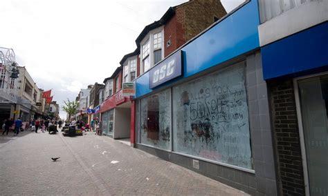 ghost town britain      shops lie empty