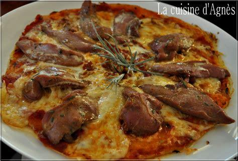 cuisine canard pizza aux aiguillettes de canard la cuisine d 39 agnèsla cuisine d 39 agnès