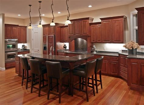 what color kitchen cabinets with wood floors 34 kitchens with wood floors pictures 9912