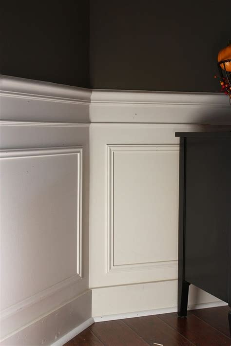 Wainscoting Molding by 25 Best Ideas About Chair Rail Molding On