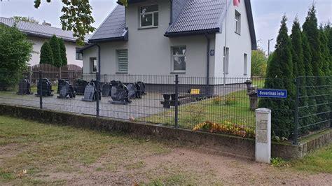 Kapu pieminekļi Valmierā, Beverīnas ielā 22