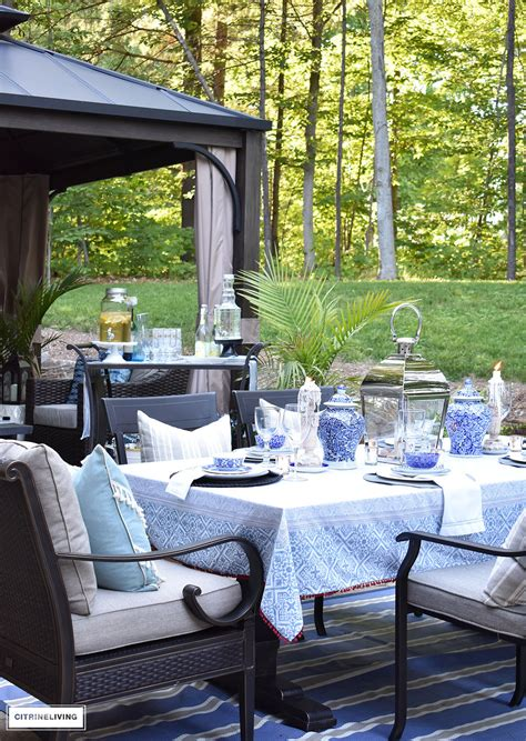 outdoor summer tablescape  blue  white