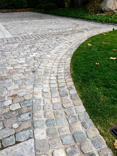 Auffahrt Pflastern Ideen by Best 25 Cobblestone Driveway Ideas On