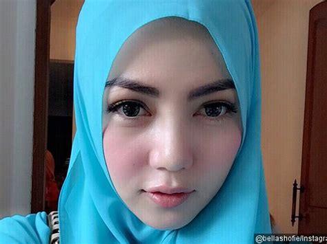 Foto Wanita Di 10 Artis Wanita Malaysia Tercantik 2012