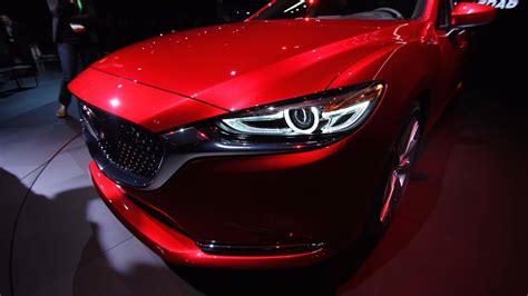 Красный самурай Mazda6 2018 года