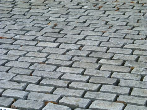 driveway using grey cropped setts ced ltd for all