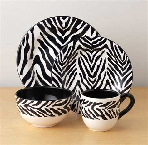 black  white dining room decorating  zebra prints