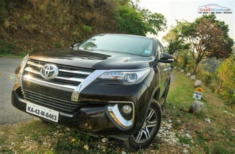 Review Toyota Fortuner by New Toyota Fortuner Petrol Review