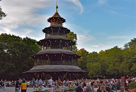 Englischer Garten München Chinesischer Turm Anfahrt by Chinesischer Turm Im Englischen Garten Die Weltenbummler
