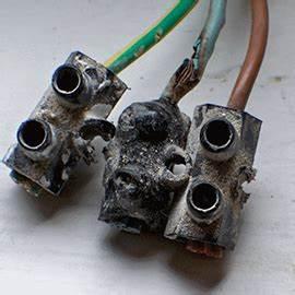Plaque Induction Domino : plaque induction pourquoi y a t il une odeur de plastique br l sos accessoire ~ Nature-et-papiers.com Idées de Décoration