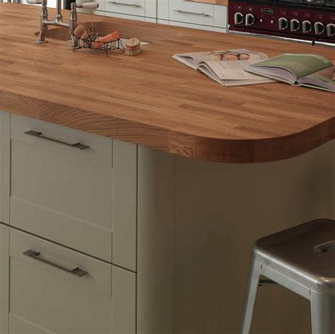plan de cuisine bois plan de cuisine bois cuisine bois verni rustique modle