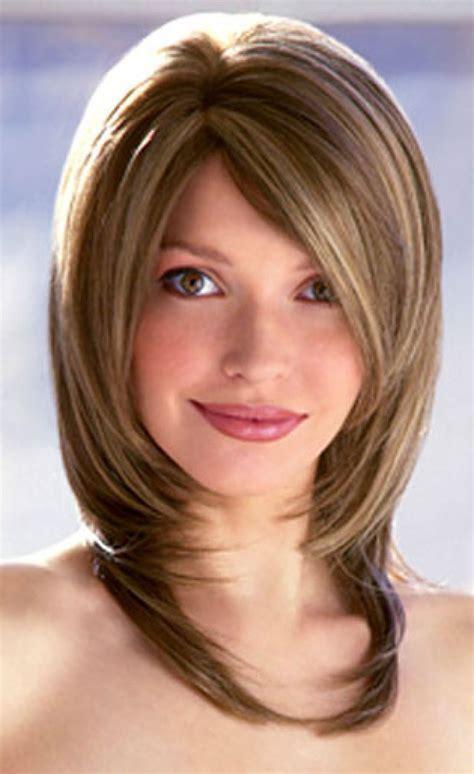 Medium Hairstyles Oval Faces   Women Medium Haircut