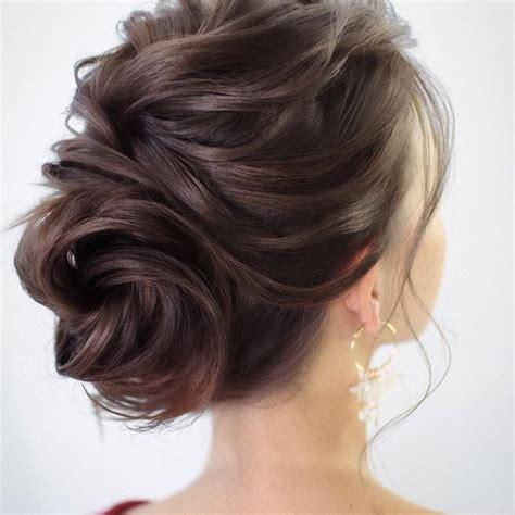 piekna fryzura na wesele wlosy  ramion fryzura
