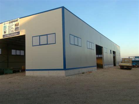 costruzione capannoni in ferro strutture in ferro zincate strutture in ferro