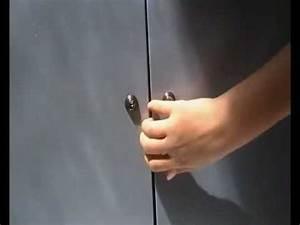 Comment Ouvrir Une Porte Sans Clé : ouvrir une armoire sans clef table de lit ~ Medecine-chirurgie-esthetiques.com Avis de Voitures